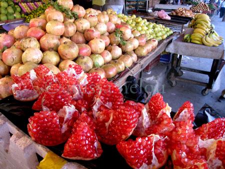 17-pomegranates-cracked open copy