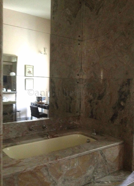 villa necchi-bathtub copy