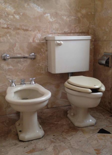 villa necchi-lavatory 2 copy