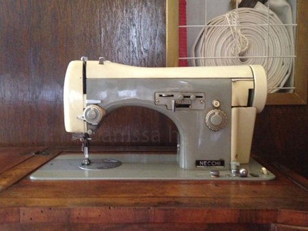 villa necchi-sewing machine copy