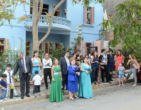 villa clara-watching the bride come out copy