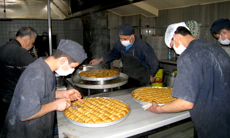 imam cagdas-finishing baklava 2 copy