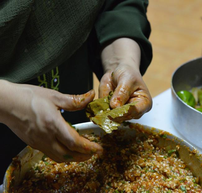 cairo-stuffed vine leaf-rolling copy