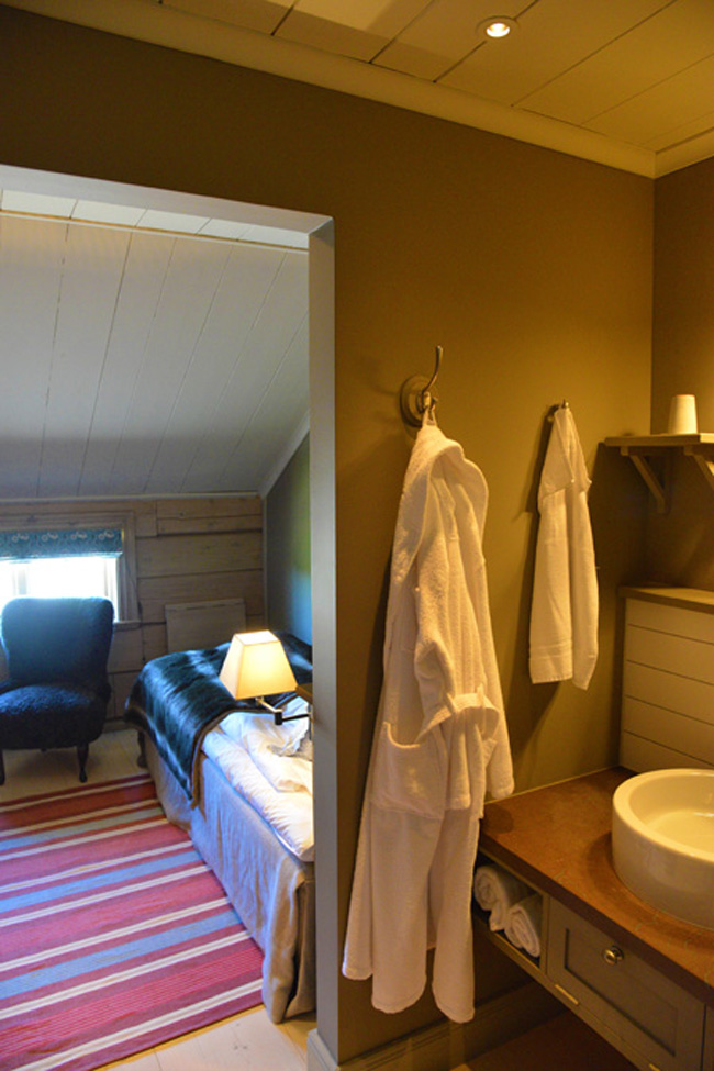 faviken-bedroom copy