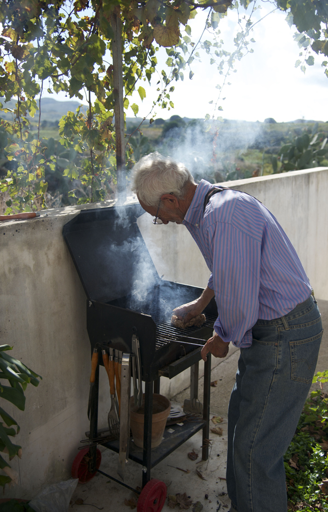 alcamo-tonino cleaning the grill copy