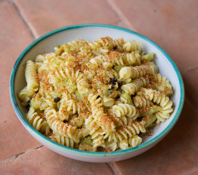 pasta con cavolfiore-on the plate